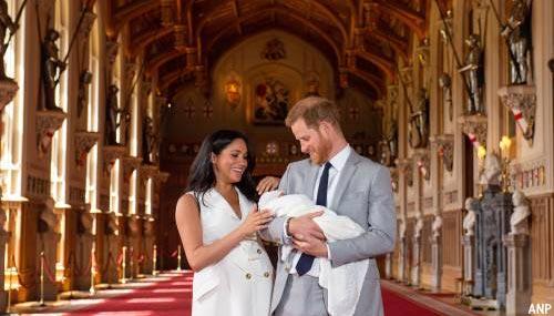 Prins Harry en Meghan tonen zoontje aan de wereld
