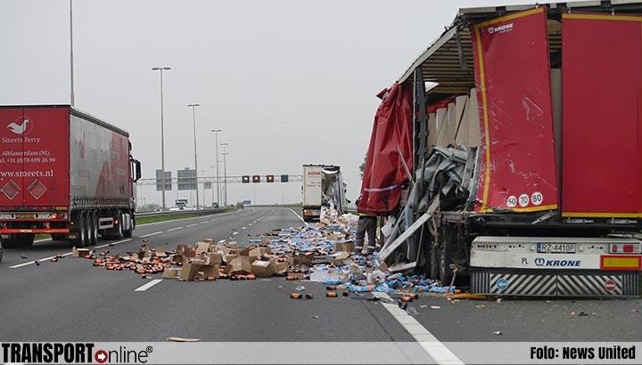 Vuilniszakken op de A1 na ongeval met twee vrachtwagens [+foto]
