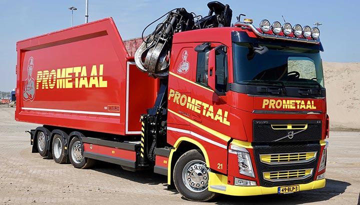 Nieuwste Volvo FH 8x2 Tridem van Prometaal is de ultieme 'Wrakkenkampioen'