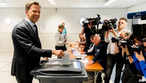 Rutte bij stemmen: zal zelf niet overstappen naar Europa