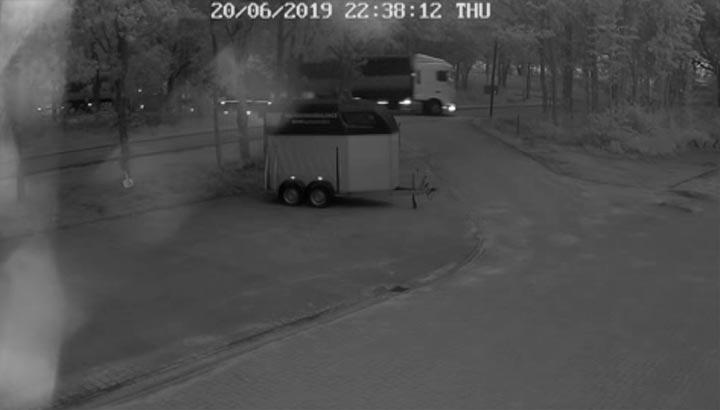 Vier 40m3 containers gestolen van Amco en Van der Sluis Transport [+foto's&video]