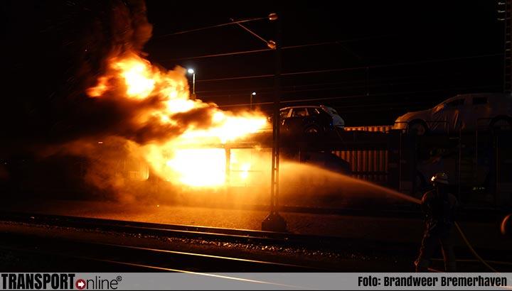Meerdere auto's in brand op goederentrein [+foto]
