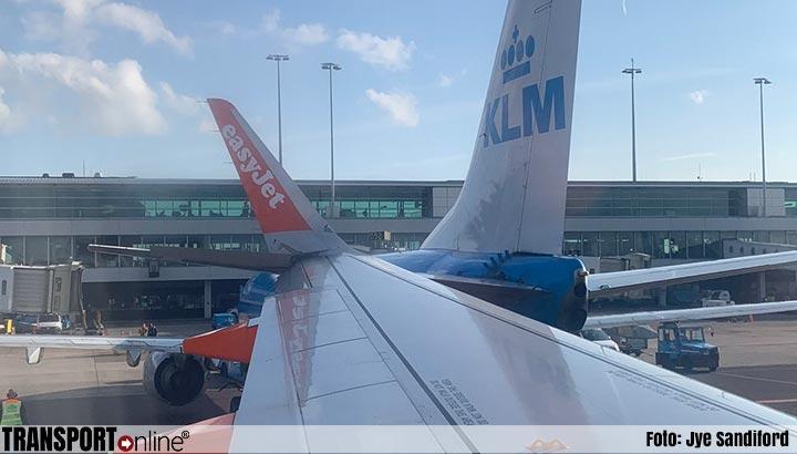 Vliegtuigen botsen op Schiphol [+foto]