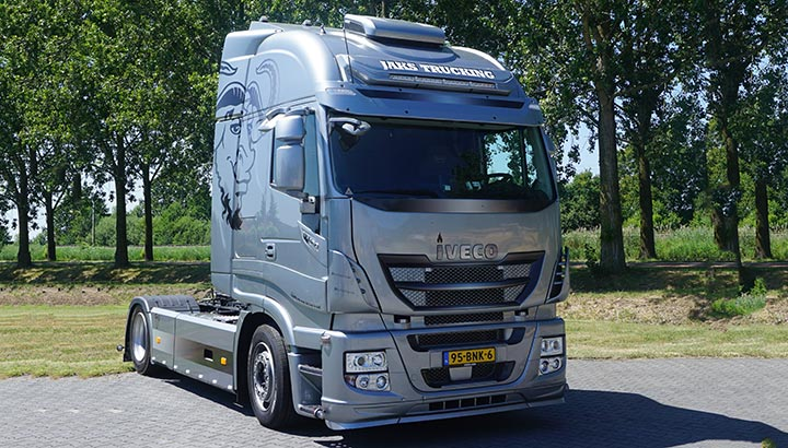 IVECO levert prachtige LNG-truck af aan Jaks Trucking