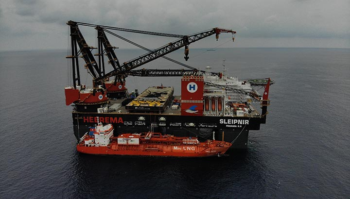 Maiden trip voor 's werelds meest duurzame kraanschip Sleipnir