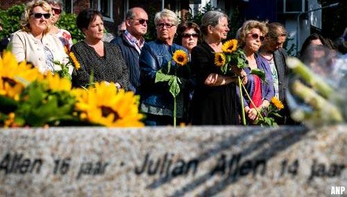 Slachtoffers MH17 herdacht bij monument in Vijfhuizen