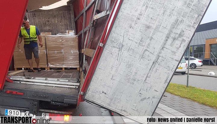 Vrachtwagenchauffeur rijdt tegen viaduct in Capelle aan den IJssel [+foto]