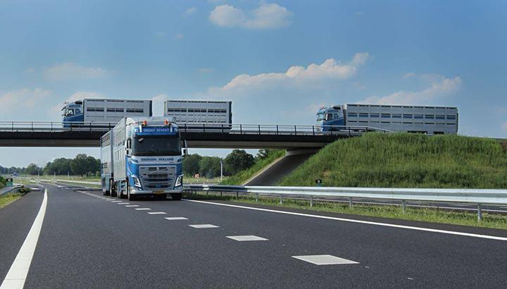 Groot Zevert Internationaal Transport Eibergen overgenomen door Hendrie Dijk en Jan Schuttert