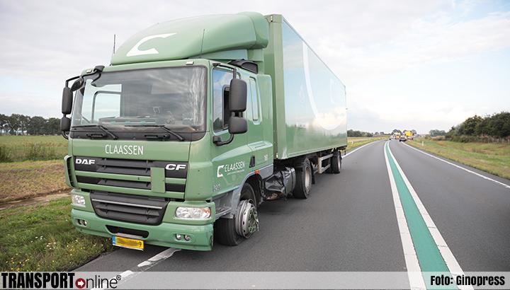 Slingerende personenauto botst tegen vrachtwagen op de N36 [+foto]