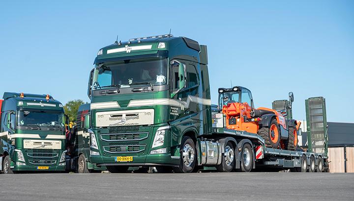 Vier Volvo FH-trekkers voor Transport Keijzer