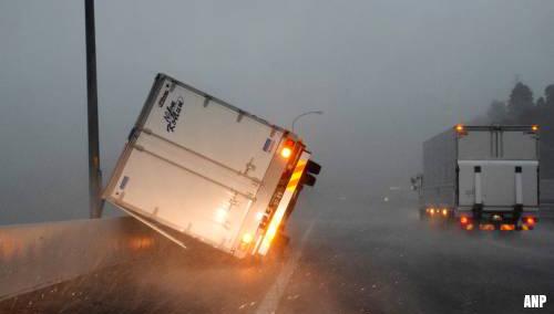 Zware tyfoon Faxai legt leven in Japan plat