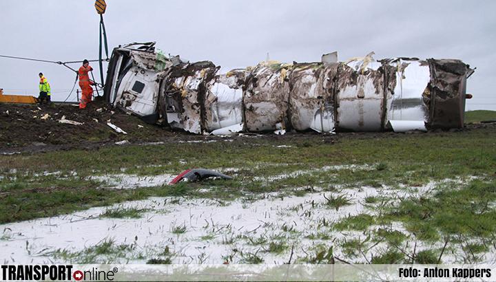 Ravage na gekantelde vrachtwagen op A32 [+foto]