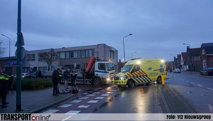 Scholier geschept door vrachtwagen [+foto]