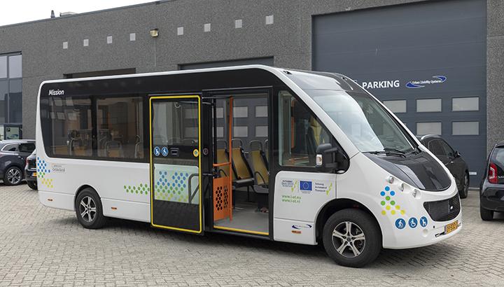 Nieuwe autonoom rijdende Mission-bus wordt getest op circuit in Aldenhoven