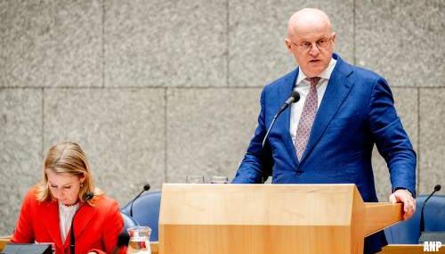 Minister denkt over ruimer preventief fouilleren met oud en nieuw