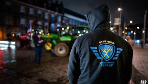 Boeren in Drenthe van de N33 gehaald door politie en bekeurd