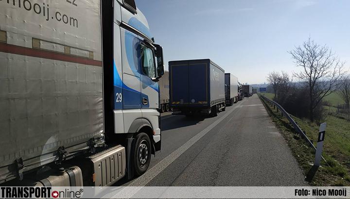 Weer enorme files aan Duits-Poolse grens door grenscontroles