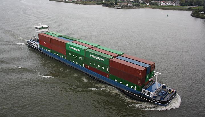 Container Terminal Doesburg zet groter dedicated klasse IV schip 'Tormenta' in