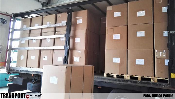 Duitse politie neemt vrachtwagen met lading tabak voor Nederland in beslag [+foto's]