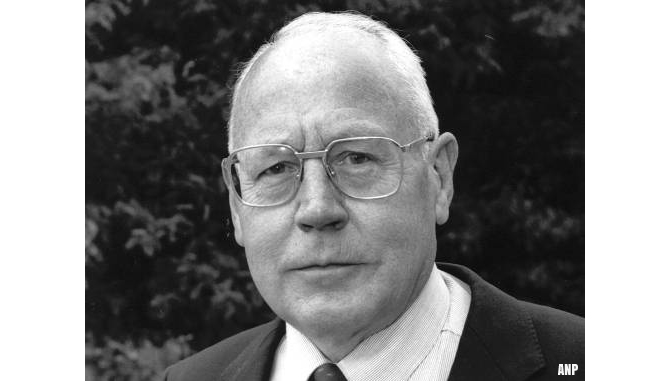 Supermarktoprichter Dirk van den Broek overleden
