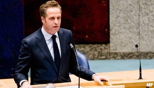 Minister De Jonge: niet te snel méér mensen testen op corona