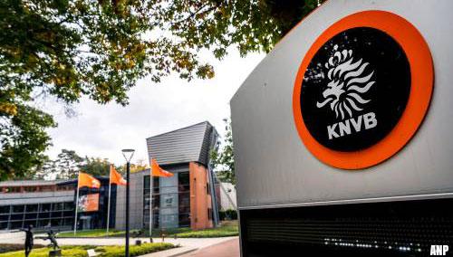 KNVB onaangenaam verrast door 'voorbarig' bericht kabinet