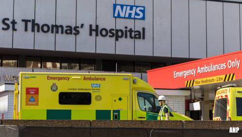 Britse premier Johnson stabiel na tweede nacht op intensive care