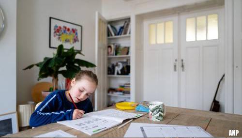 FNV wil hulp voor werkende ouders nu kinderen thuiszitten