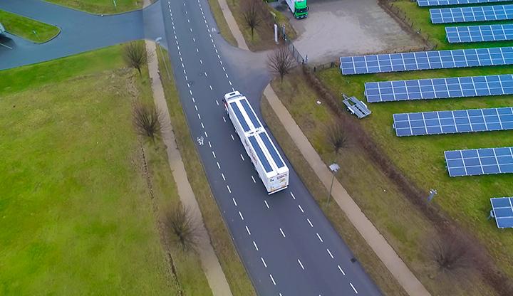 IM Efficiency maakt van vrachtwagens mobiele zonneparken