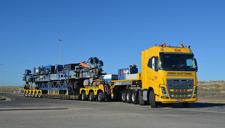 Nieuwe Volvo FH16 750 10x4 zwaartransport voor Vink Barneveld