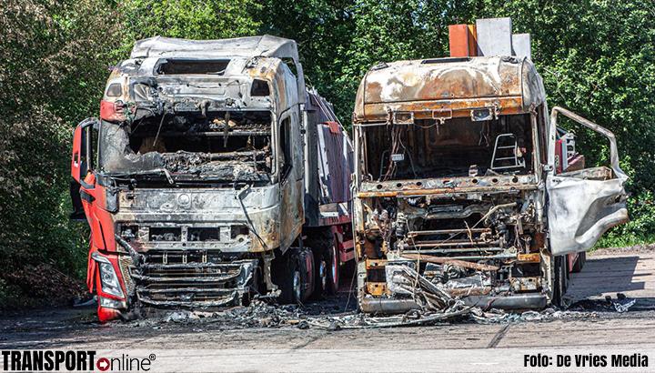 Recherche-onderzoek na uitbranden van vrachtwagens in Hoogeveen [+foto]