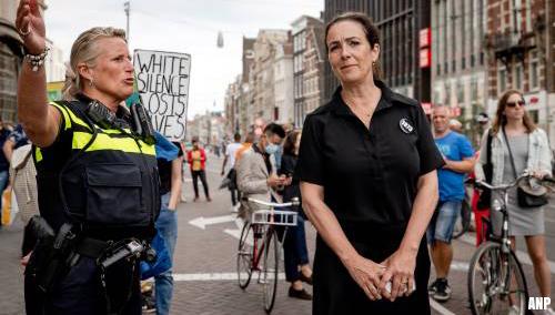 Grapperhaus: gemeenteraad moet oordelen over optreden Halsema