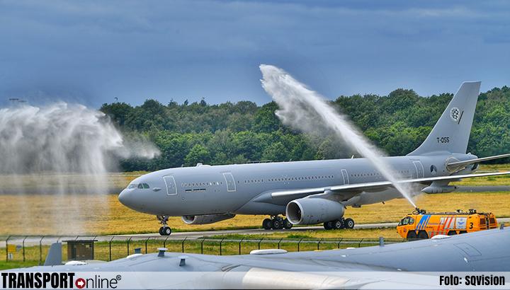 Eerste nieuwe tank- en transportvliegtuig Defensie geland op Vliegbasis Eindhoven [+foto]