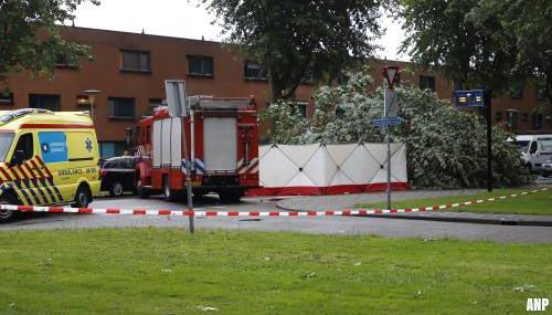 Vrouw komt om in Zwolle door noodweer