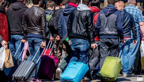 Duizenden steunen petitie tegen terugkeer massatoerisme Amsterdam