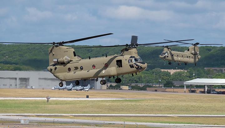 Luchtmacht neemt nieuwe CH-47F Chinook-transporthelikopters in gebruik