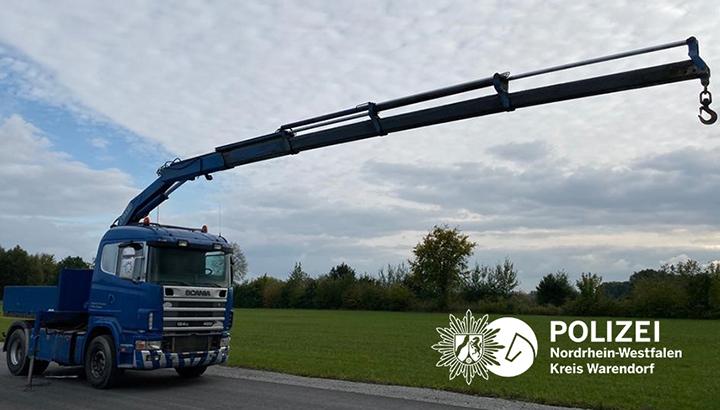 Scania-trekker met kraan gestolen uit Duitsland [+foto's]
