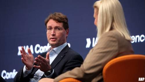 Topman Daimler: beloning topmanagers moet fors omlaag