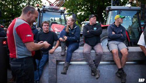 Betogende boeren blijven in Den Haag voor voerdebat en stemming