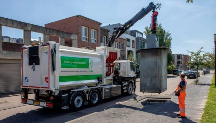 Eerste elektrische DAF voor ondergrondse containers in gebruik in Rotterdam