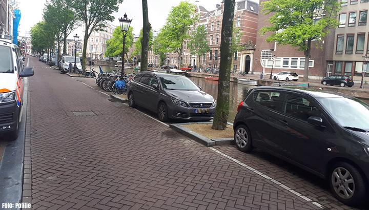 Dode man gevonden op boot in Amsterdam