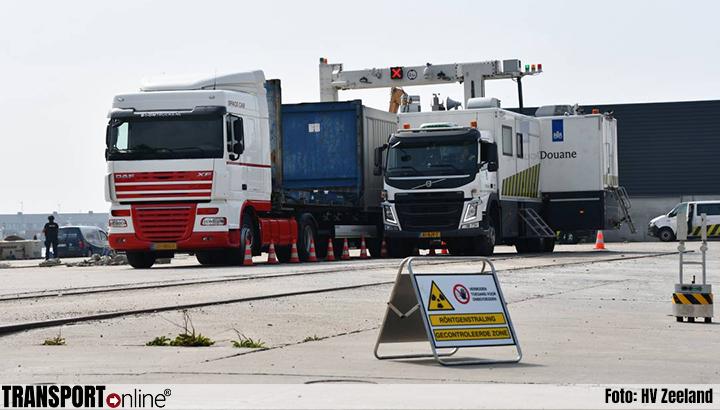 Grote actie douane en politie in haven van Vlissingen [+foto]