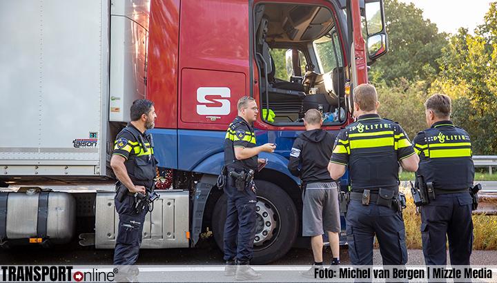 A9 afgesloten na ongeval, vrachtwagenchauffeur onder invloed van drugs [+foto]