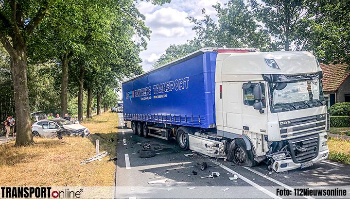 Aanrijding vrachtwagen en auto op N272 [+foto]