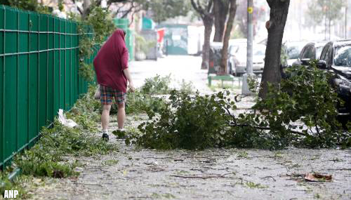 Doden en miljoenen huizen zonder stroom in VS door zware storm Isaias
