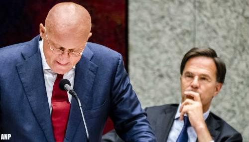 Rutte blijft 'voluit' achter Grapperhaus staan