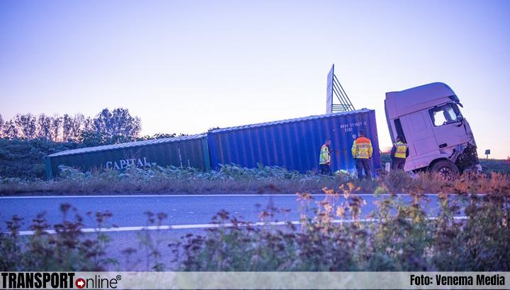 Vrachtwagen van de weg langs A4 [+foto]