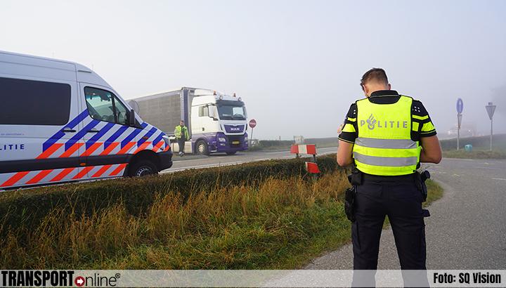 Ernstige aanrijding tussen vrachtwagen en motorrijder op N285 [+foto]