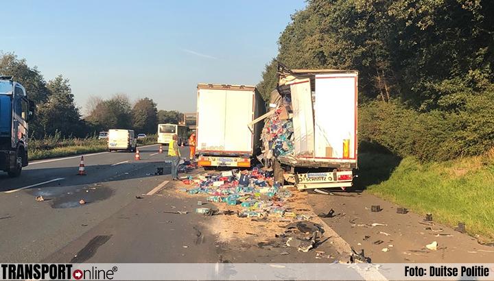 Ravage na aanrijding met twee vrachtwagens op Duitse A2 [+foto]