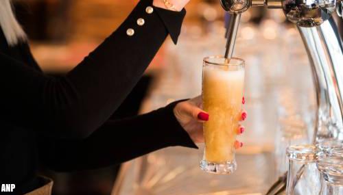Bierverkoop in horeca daalt nog steeds flink